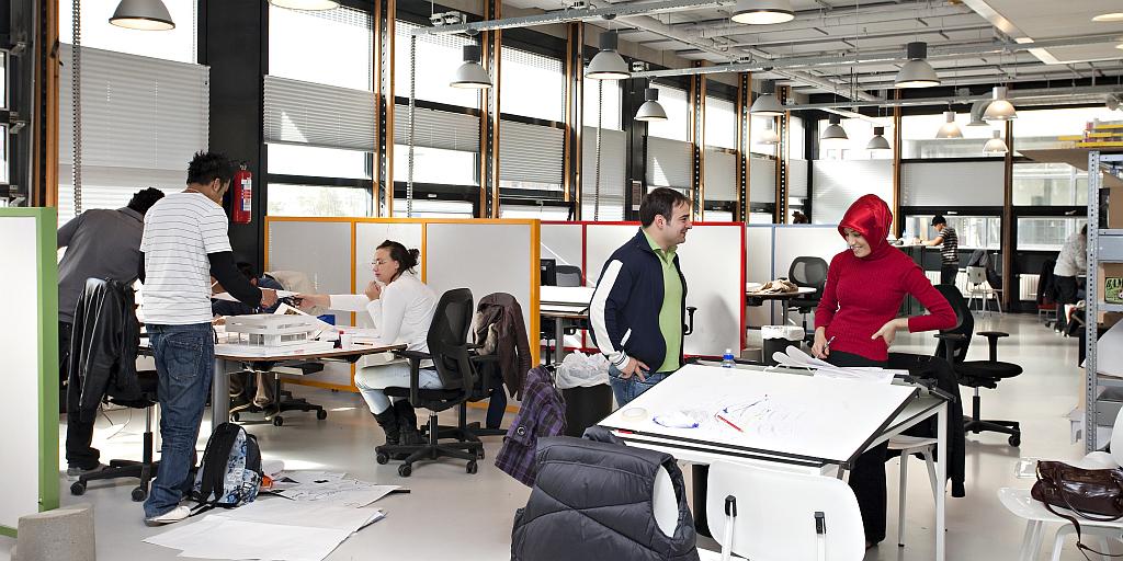 Studenten der The Hague im Unterricht